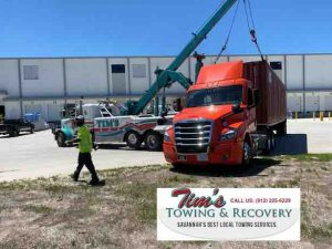 Semi Towing Effort Using 50 Ton Wrecker